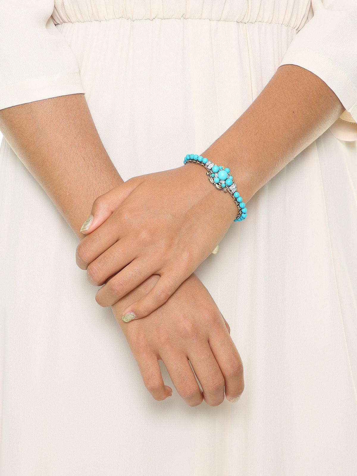 Bracciale con perline di vetro colorato