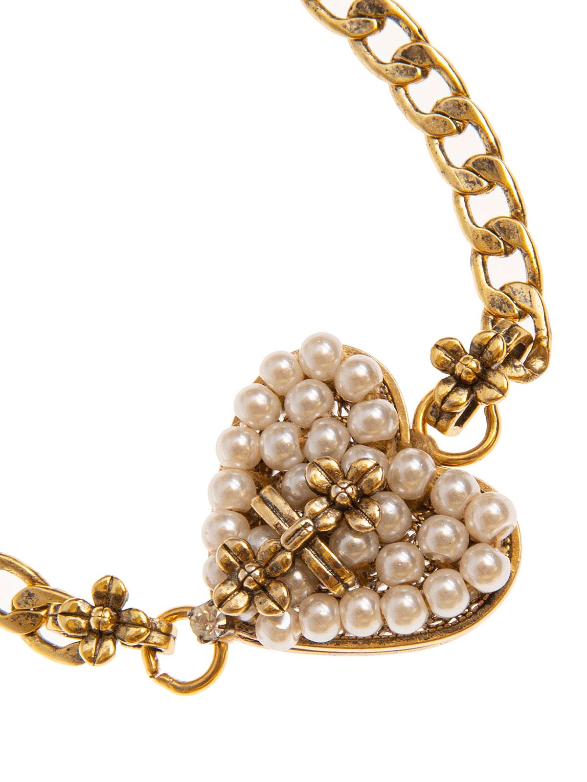Bracciale di catena impreziosito da cuore ricamato con perle