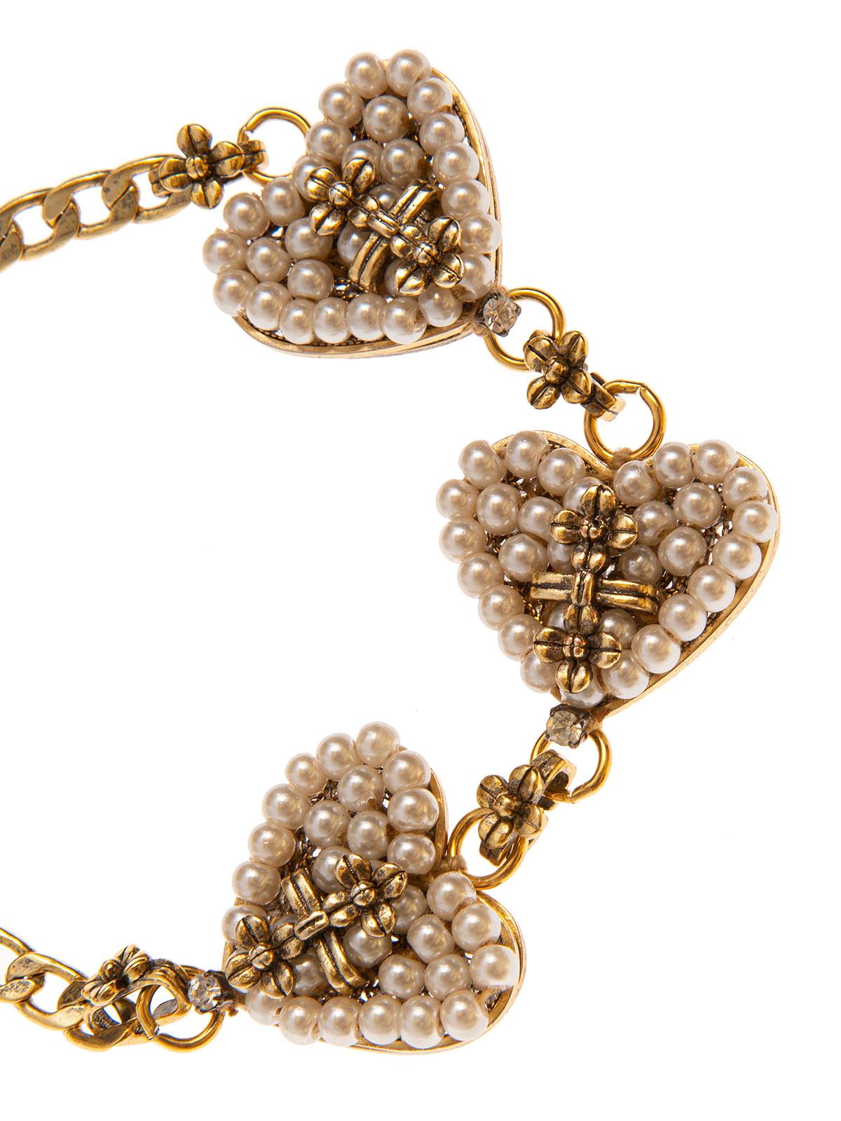 Bracciale di catena impreziosito da cuori ricamati con perle