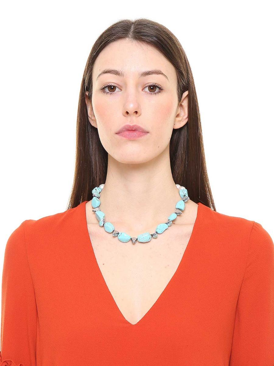 Collana di pietre colore turchese e perle d'acqua dolce
