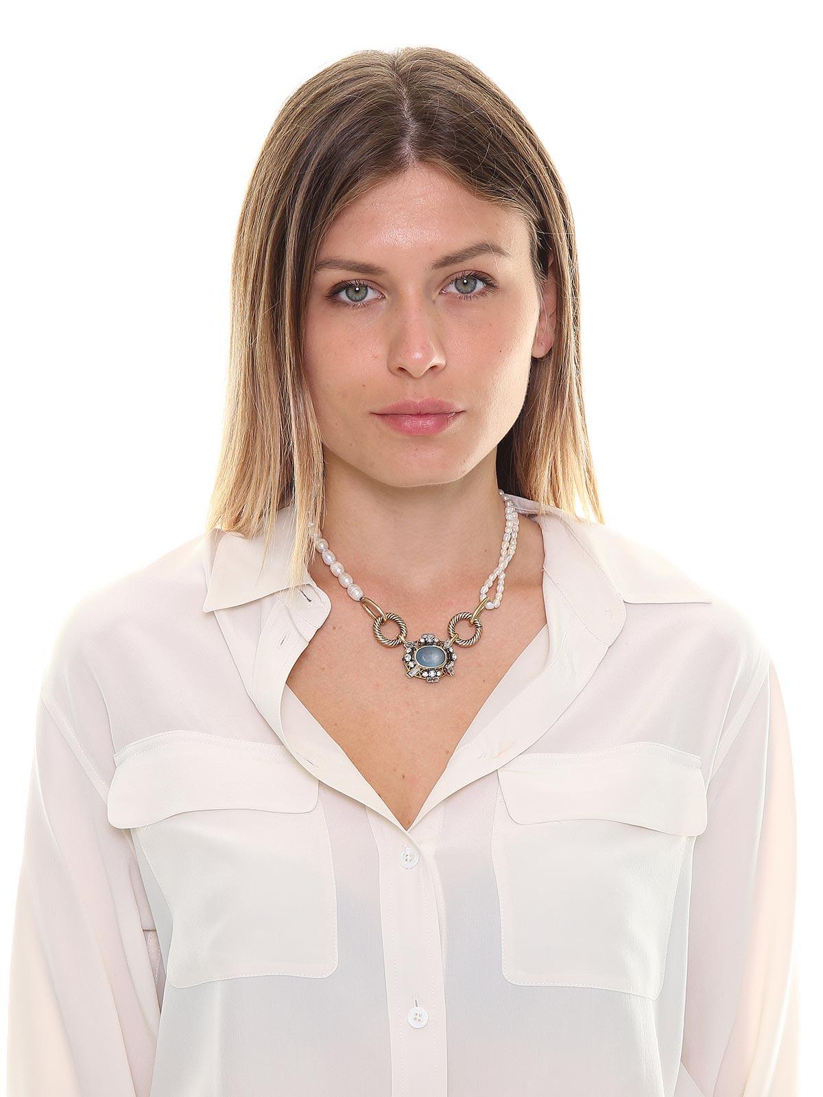 Collana di perle con pendente gioiello