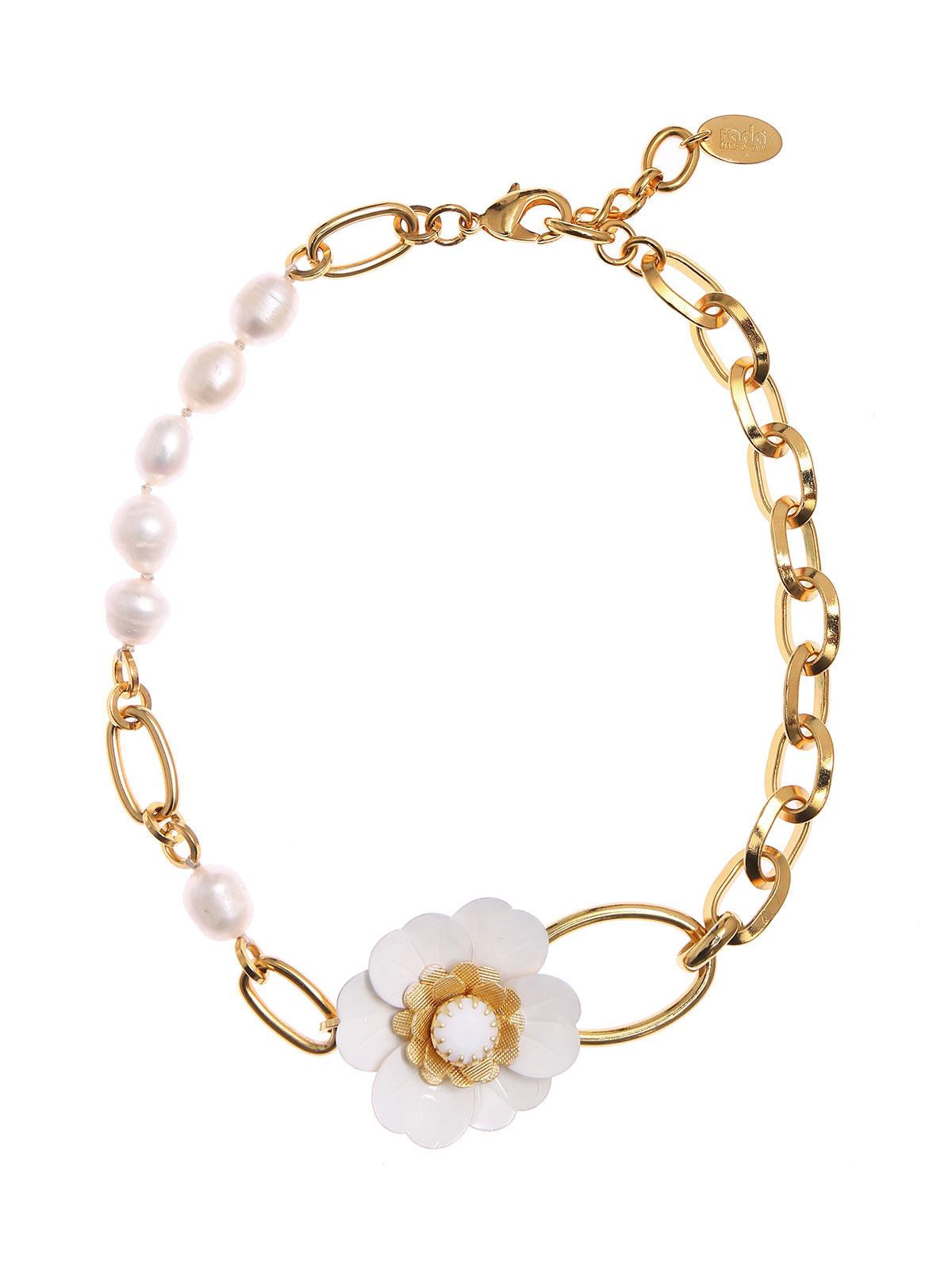 Collana con fiore e perle