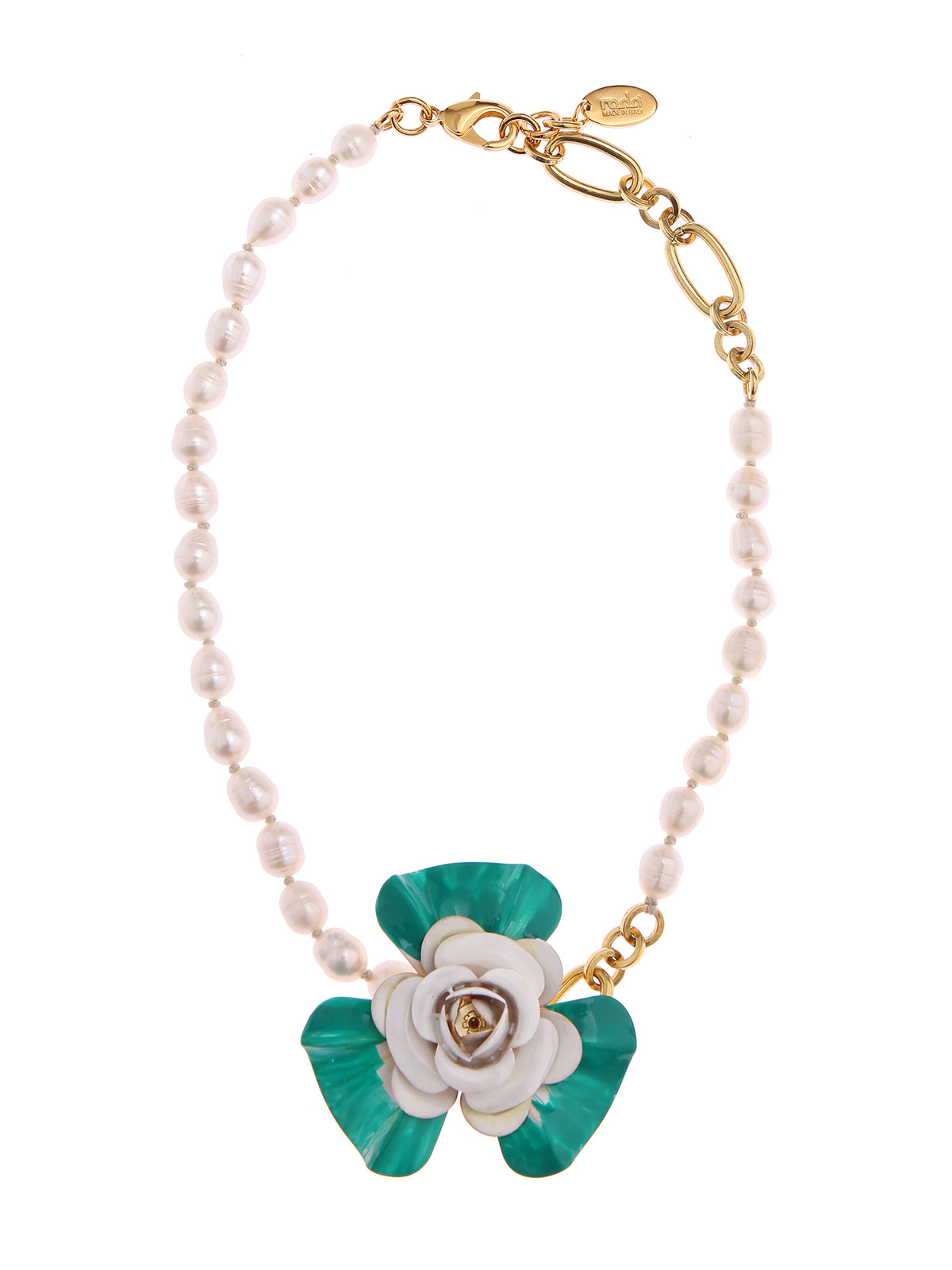 Necklace with flower and pearls