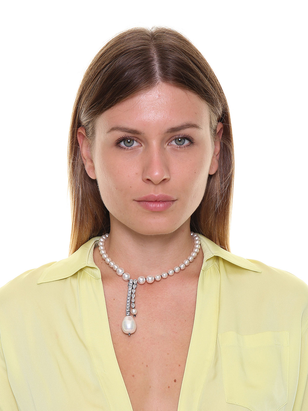 Pearl necklace with central glass drop