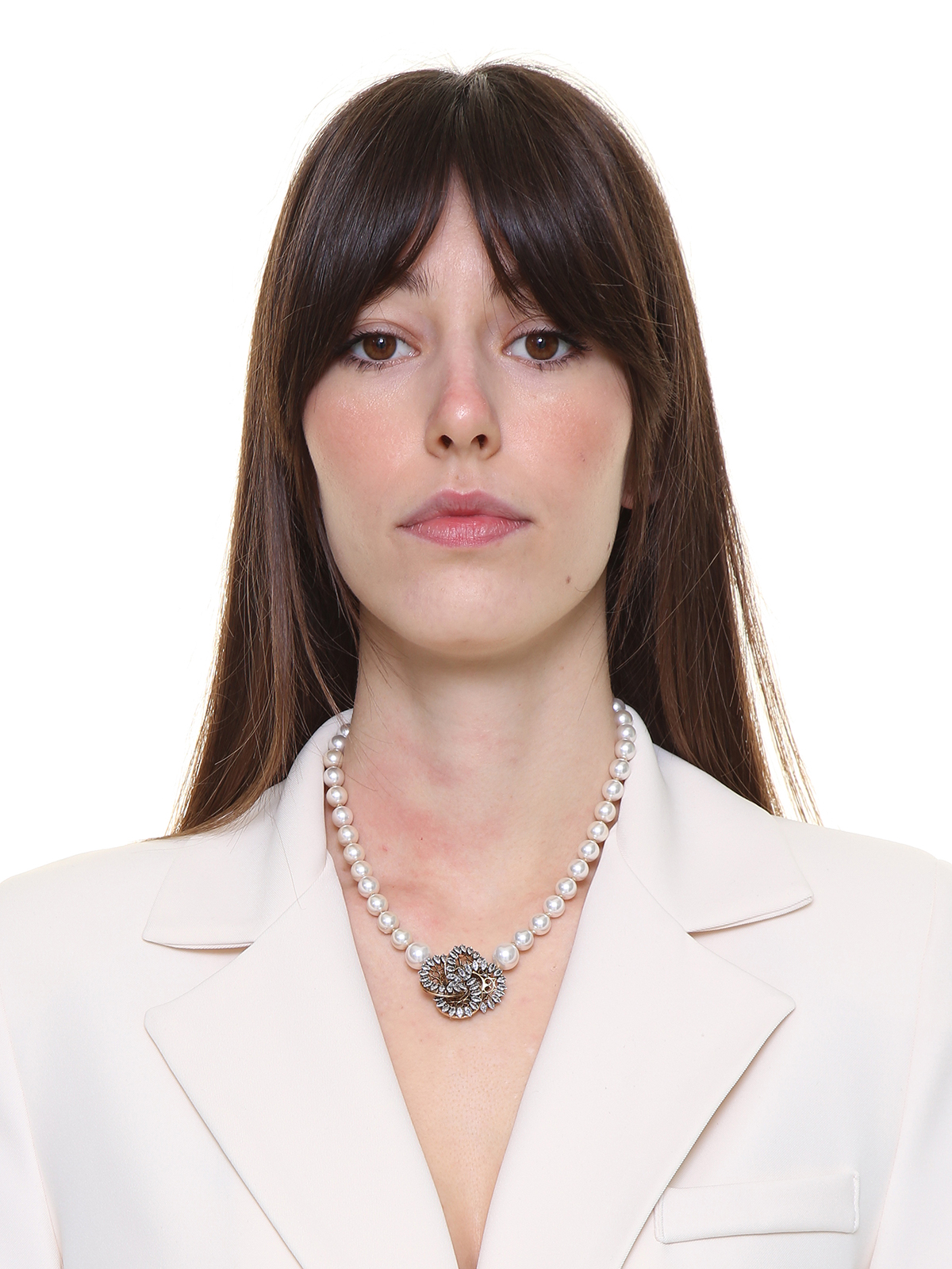 Pearl necklace with  jewel pinwheel decoration embroidered with stones