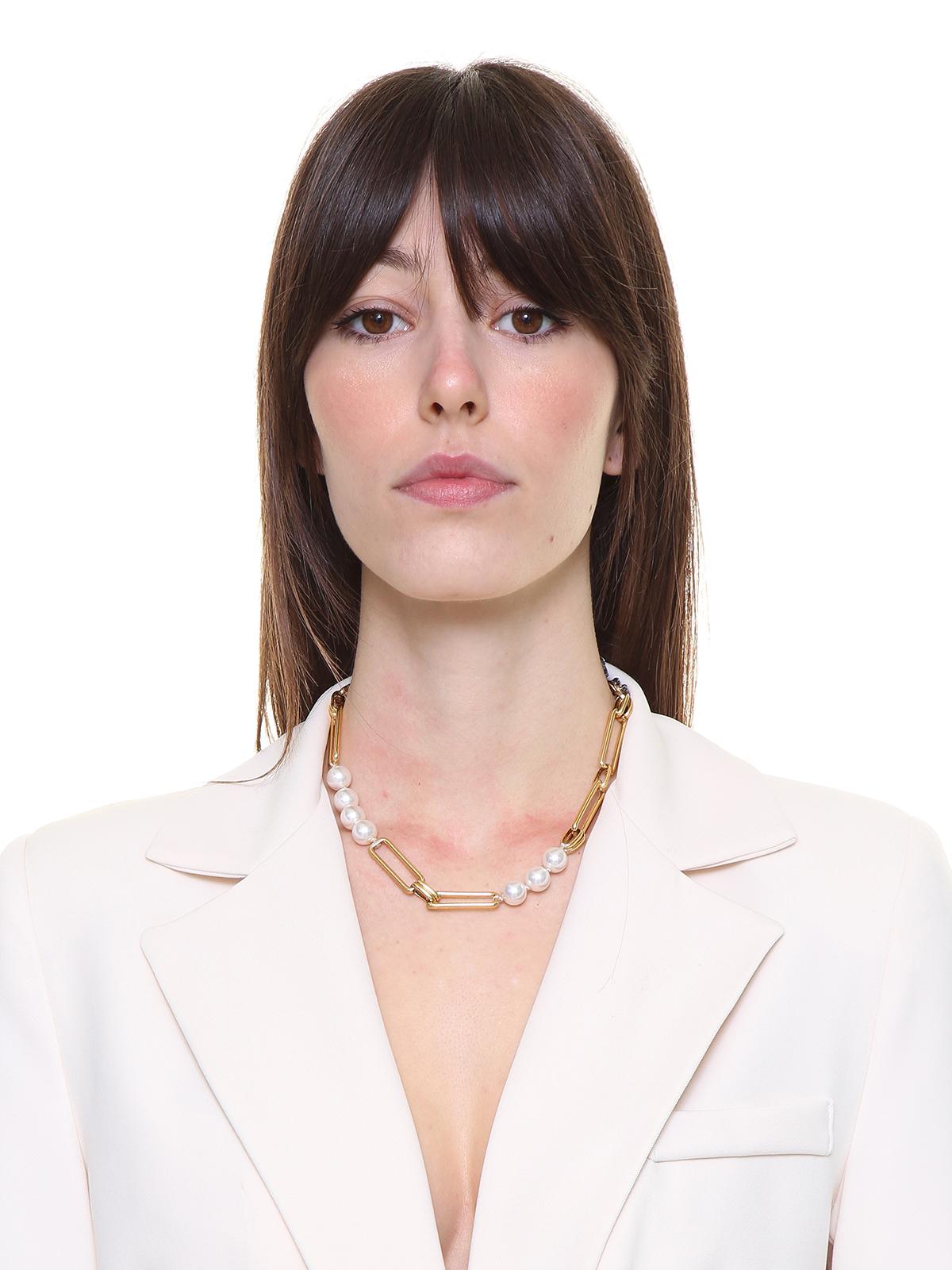Collana  di perle e catena con bottone gioiello