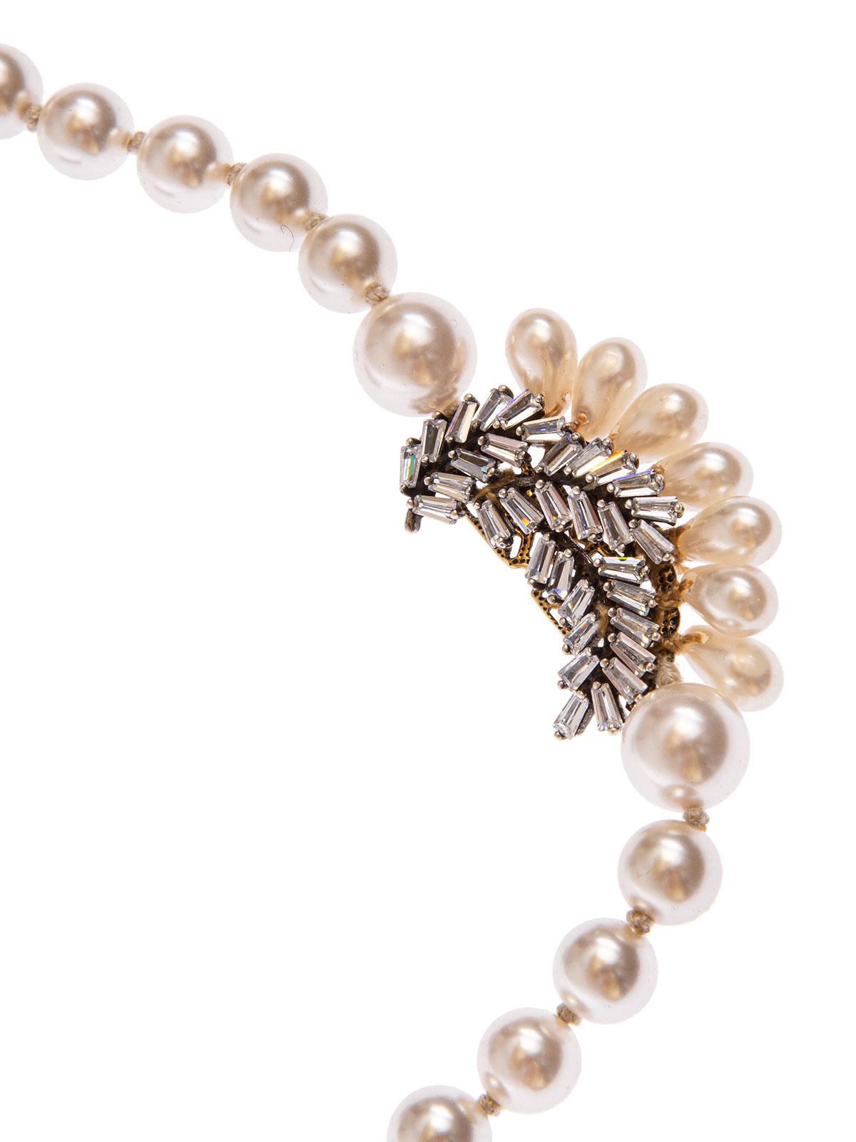 Collana di perle e grappolo di foglie ricamate con baguettes e gocce