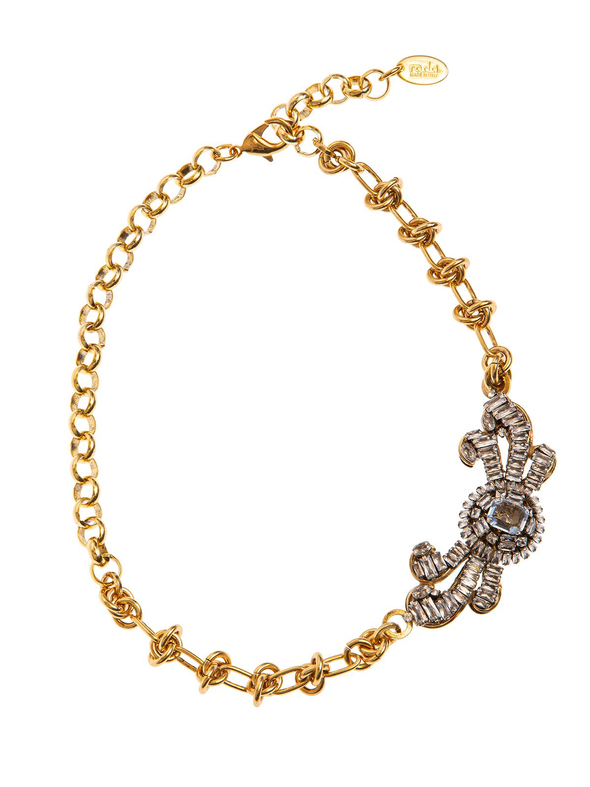 Collana di catena con bottone gioiello e ricamo di baguettes