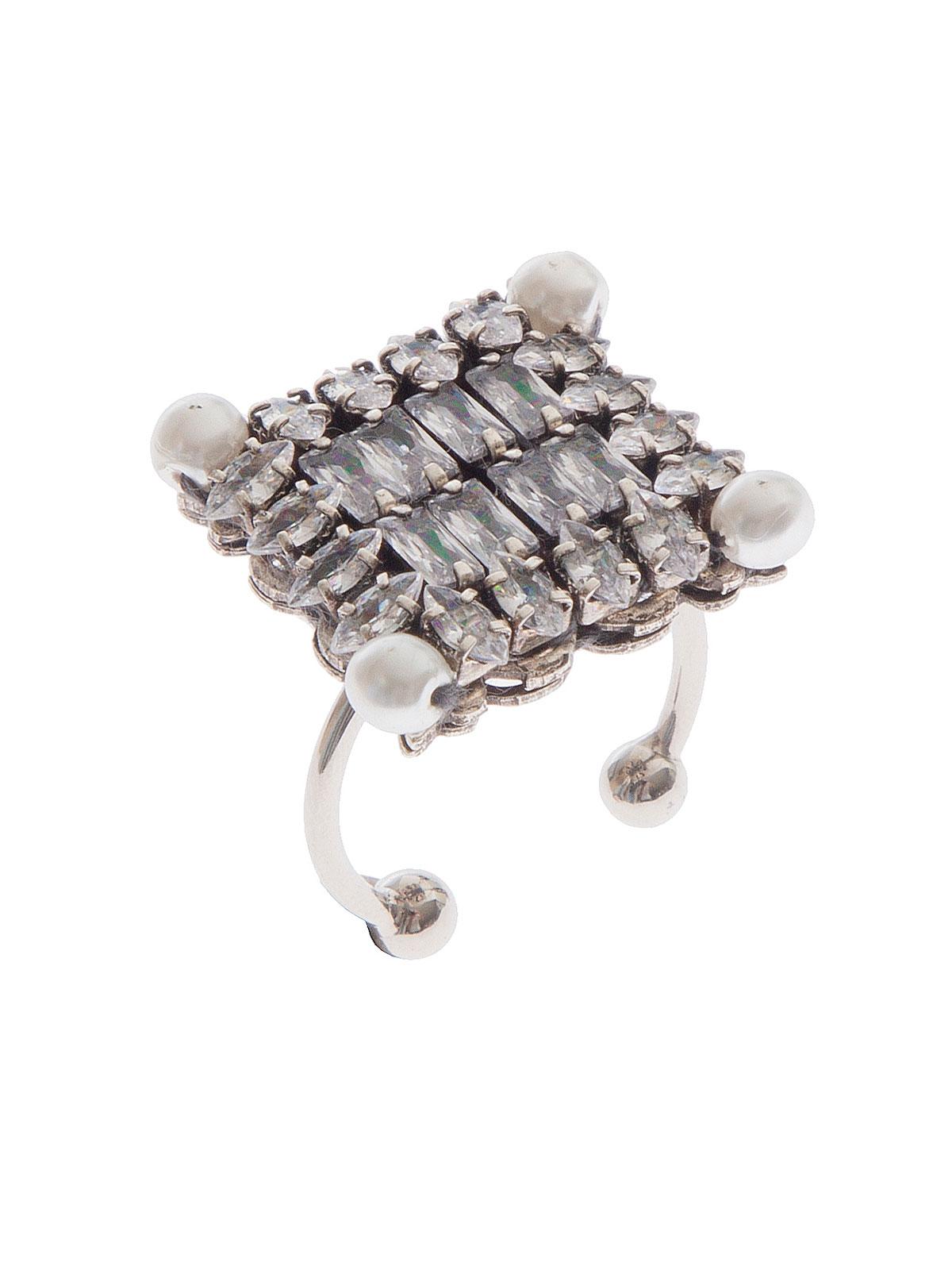 Anello con motivo quadrato di pietre cristallo e perle