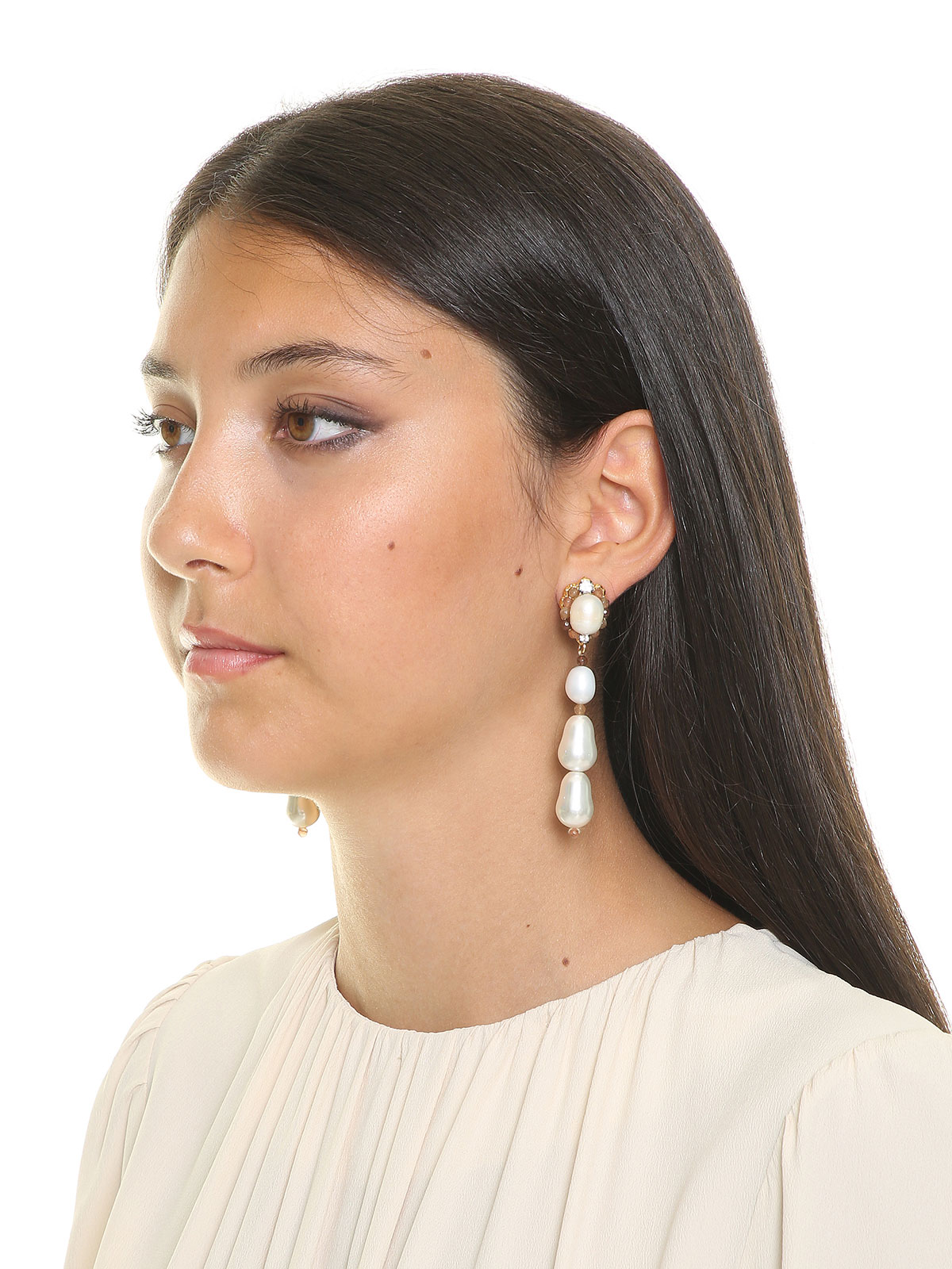 Jade earrings with freashwater pearls