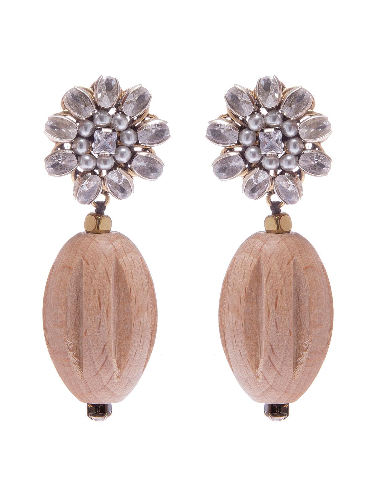 Orecchini con clip gioiello e pendenti in legno