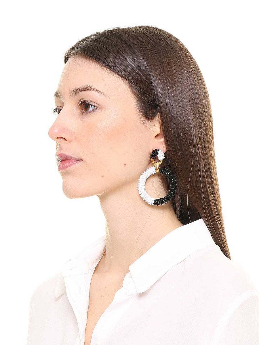 Button earrings with a circle beaded pendant