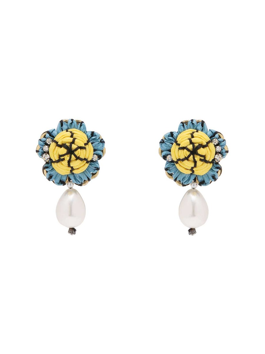 Floral earrings with freshwater drop