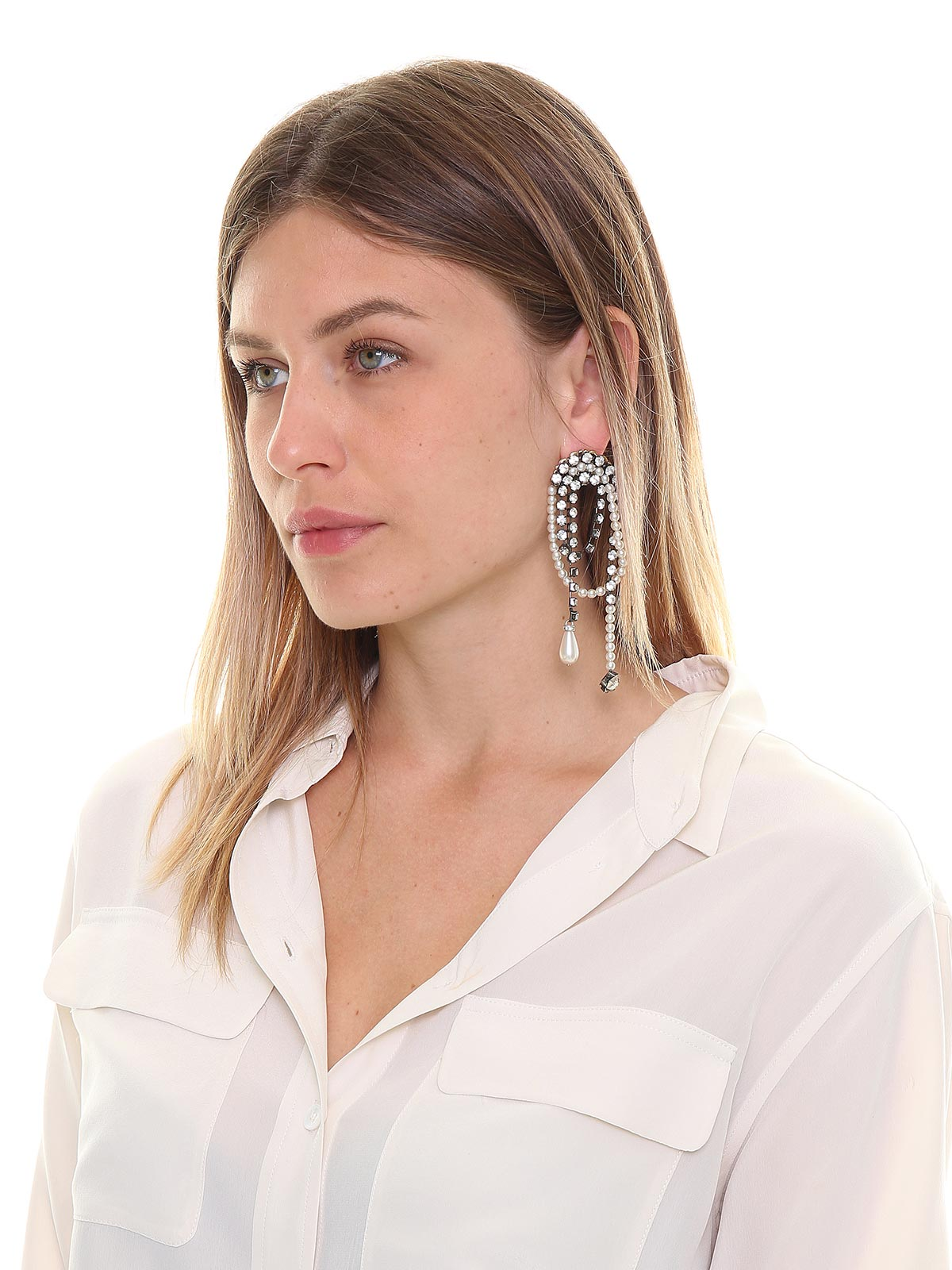Pendent crystal earrings embellished with drops and pearls